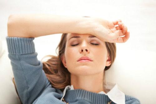 Tắc kinh ở nữ giới do nguyên nhân nào gây ra?